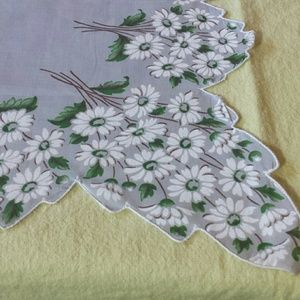 1970s Floral Petal Edged Kerchief
